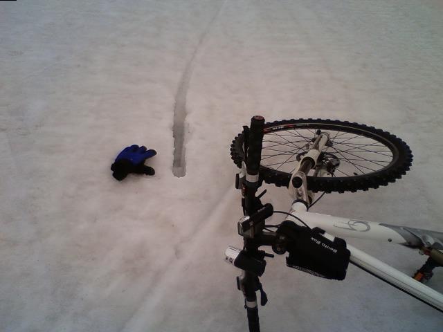 MTB雪上ダウンヒル