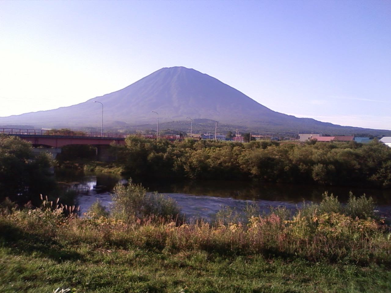 今朝の羊蹄山